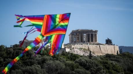 Με φόντο την... Ακρόπολη: Κούλουμα στο λόφο του Φιλοπάππου