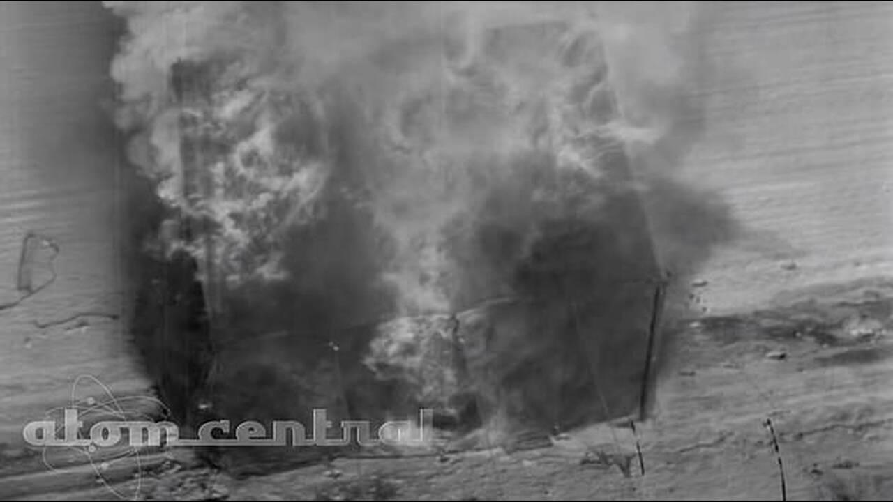 https://cdn.cnngreece.gr/media/news/2019/03/12/168772/photos/snapshot/10679446-6780303-Another_clip_shows_a_tent_bursting_into_flames_before_being_obli-a-10_1551929106862.jpg