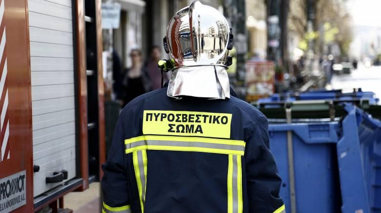 Φωτιά σε κάδους απορριμμάτων στο ΑΠΘ και στο Κορδελιό