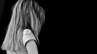 Ηράκλειο: Πατέρας βίαζε και ξυλοκοπούσε τη 14χρονη κόρη του