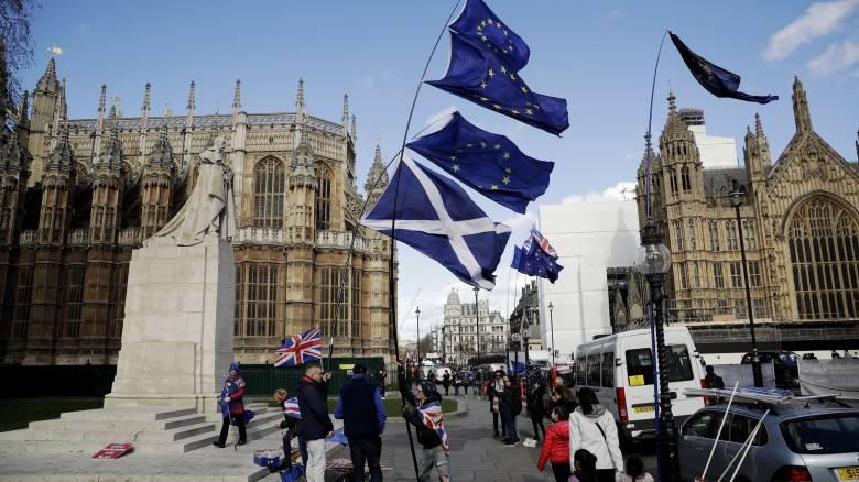 Brexit: Αντίστροφη μέτρηση για την κρίσιμη ψηφοφορία στο βρετανικό κοινοβούλιο