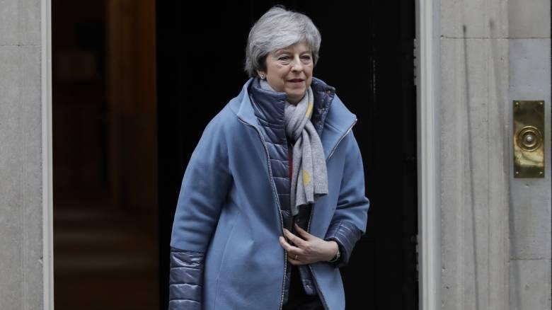 Brexit: Η Μέι προειδοποιεί για τις επιπτώσεις ενός «ναυαγίου» στη σημερινή ψηφοφορία