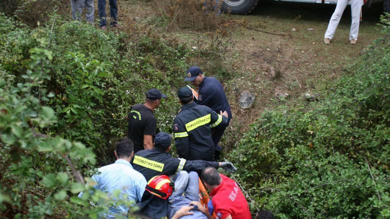 Κρήτη: Απεγκλωβίστηκαν η μητέρα και τα δύο παιδιά της - Σοβαρά τραυματισμένη η 47χρονη