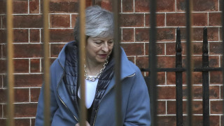 Brexit: Δέσμια του νέου αδιεξόδου η Μέι - Οι νέες ψηφοφορίες και οι επιλογές της ύστατης στιγμής