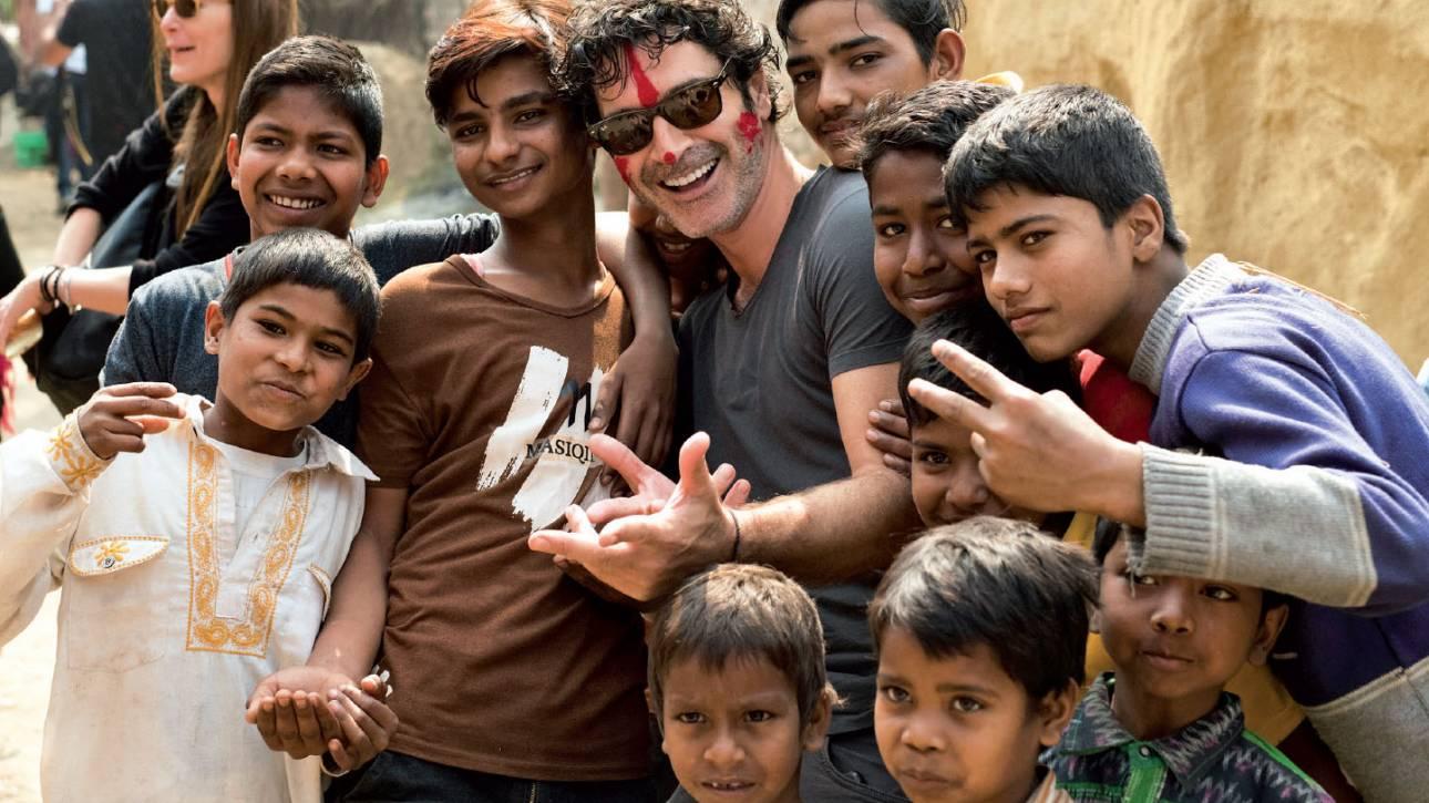 «Ένας κόσμος»: Το ντοκιμαντέρ του Χριστόφορου Παπακαλιάτη για την Action Aid