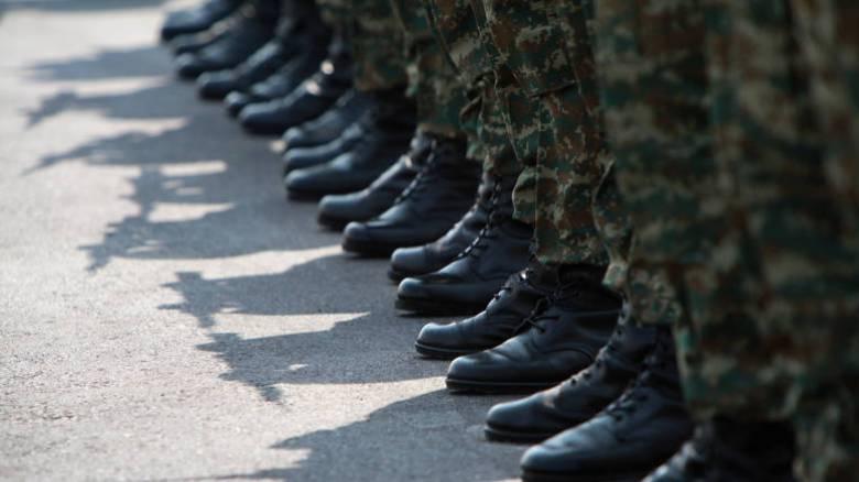 Στρατιωτική θητεία: Τι αλλαγές έρχονται και για ποιους μειώνεται