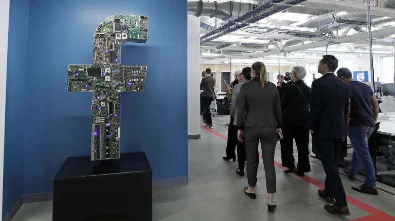 «Χάος» στα social media: Σοβαρά προβλήματα σε Facebook και Instagram
