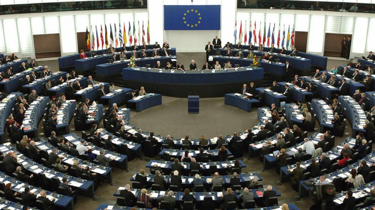 Μείωση του μελλοντικού κινδύνου από τα «κόκκινα» δάνεια επιδιώκει το Ευρωκοινοβούλιο