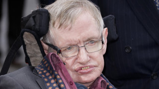 Στίβεν Χόκινγκ: Ένας χρόνος από τον θάνατο του ανθρώπου που «κατέκτησε» το σύμπαν