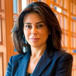 Σέρρα Σαμπάντσι (Serra Sabanci): Η περιουσία της αγγίζει τα 1,1 δισ. δολάρια. Η 46χρονη Σέρα είναι μέτοχος και μέλος του διοικητικού συμβουλίου της οικογενειακής εταιρείας Sabanci Holdings, του μεγαλύτερου χρηματοπιστωτικού και βιομηχανικού ομίλου της Του