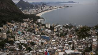 Δημήτρης Αναστασάκης: Ο Έλληνας αρχιτέκτονας που χτίζει σπίτια για τους φτωχούς της Βραζιλίας