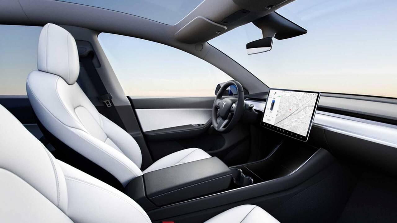 https://cdn.cnngreece.gr/media/news/2019/03/15/169236/photos/snapshot/2021-Tesla-Model-Y-12.jpg