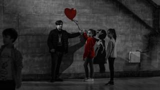 Ενδιάμεση στάση, Τεχνόπολη: Από τη Νέα Υόρκη στην Ιερουσαλήμ μέσα από τα μάτια του Banksy