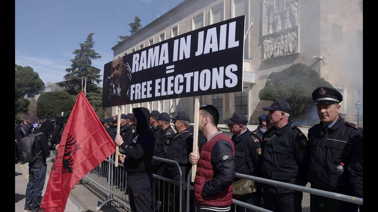 https://cdn.cnngreece.gr/media/news/2019/03/16/169420/photos/snapshot/AP_19075426291019.jpg