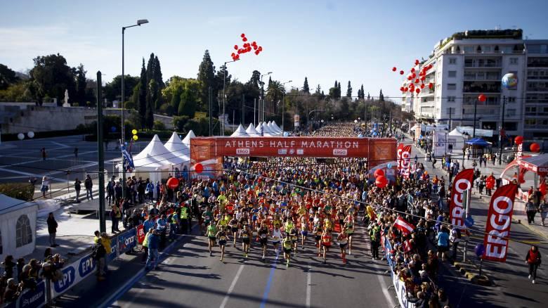 Ημιμαραθώνιος Αθήνας 2019: Ποιοι δρόμοι είναι κλειστοί - Πώς κινούνται λεωφορεία και τρόλεϊ
