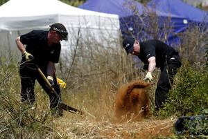 Όταν ένας σκύλος-αστυνομικός εντόπισε ανθρώπινο αίμα πίσω από τον καναπέ, είπατε όντως ότι δεν έχετε κάποια εξήγηση για αυτό;