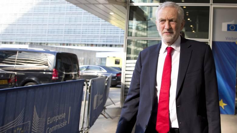 Κόρμπιν: Πιθανόν να στηρίξουμε δημοψήφισμα για τη συμφωνία της Μέι για το Brexit