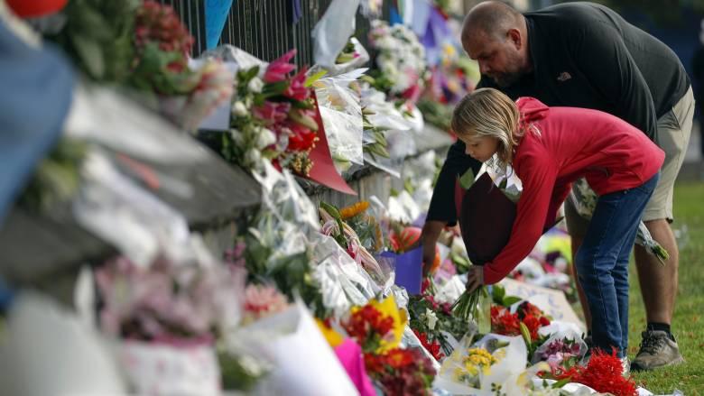 Observer: Η Δύση έχει υποτιμήσει τον κίνδυνο της ακροδεξιάς τρομοκρατίας