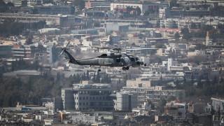 Εντυπωσιακές εικόνες: Μαχητικά αεροσκάφη πέταξαν πάνω από την Αθήνα