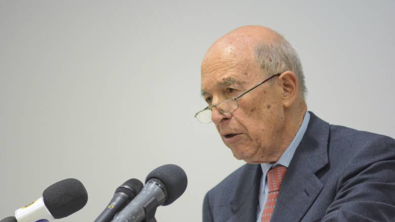 Σημίτης: Το Σκοπιανό έπρεπε να λυθεί αλλά το αποτέλεσμα είναι μία μη ικανοποιητική λύση