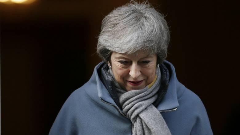 Στριμωγμένη η Μέι μετά το «μπλόκο» του προέδρου της Βουλής στις ψηφοφορίες για το Brexit