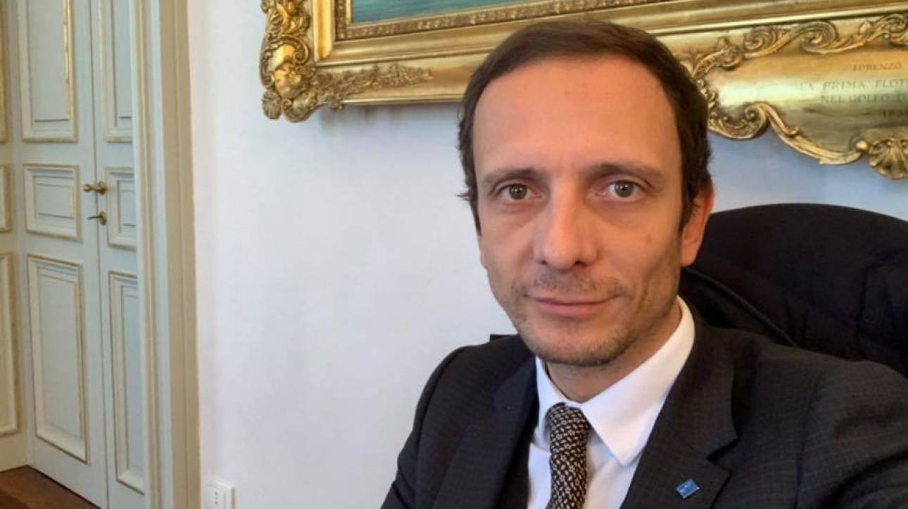 Ιταλία: Στο νοσοκομείο με ανεμοβλογιά φανατικός αντιεμβολιαστής