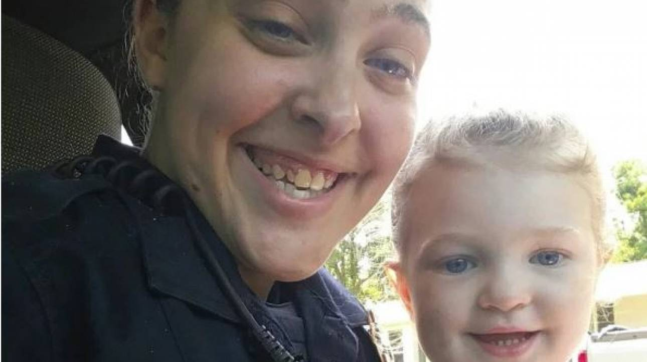 Ένοχη για ανθρωποκτονία αστυνομικός που άφησε την κόρη της να πεθάνει από τη ζέστη στο αυτοκίνητο
