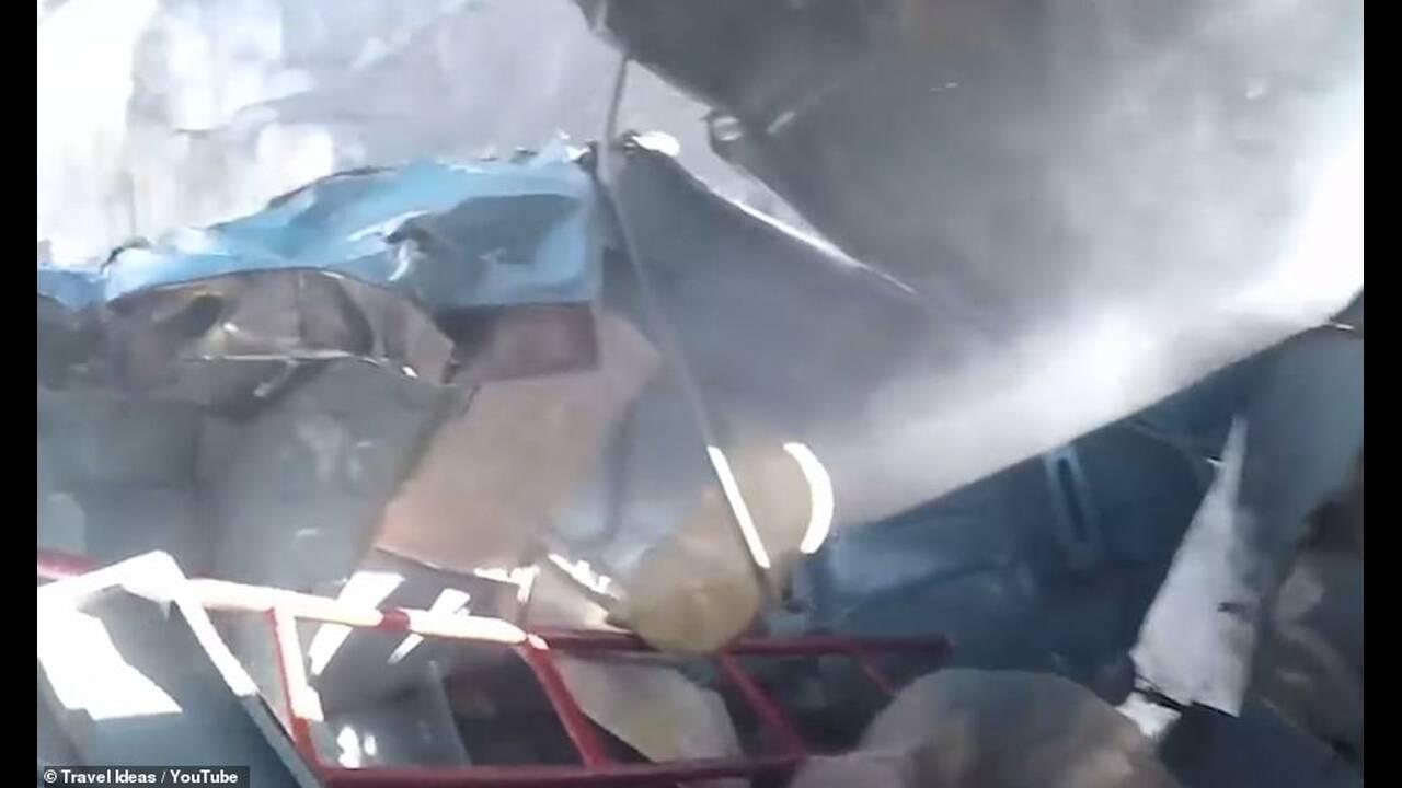 https://cdn.cnngreece.gr/media/news/2019/03/21/169973/photos/snapshot/11198636-6827239-The_debris_left_by_the_crash_which_op-a-5_1553077011158.jpg
