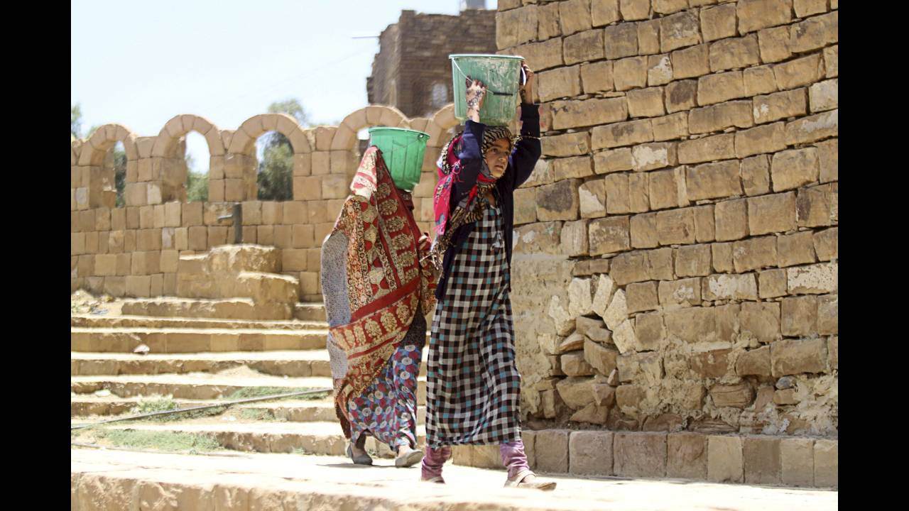 https://cdn.cnngreece.gr/media/news/2019/03/21/169990/photos/snapshot/yemen-4-reuters-Mohamed-Al-Sayaghi.jpg