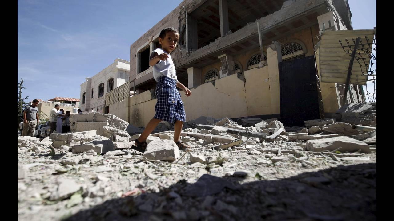 https://cdn.cnngreece.gr/media/news/2019/03/21/169990/photos/snapshot/yemen2-REUTERS-Mohamed-al-Sayaghi.jpg