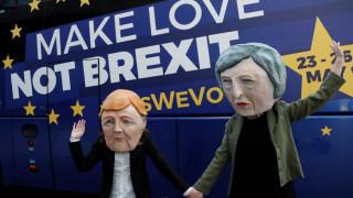 Brexit: Θα κάνουμε τα πάντα για συντεταγμένη έξοδο λέει η Μέρκελ - «Ναι» Μακρόν σε τεχνική παράταση