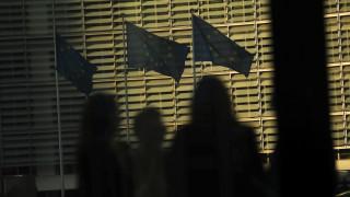 Παζάρια στην κόψη του ξυραφιού για Brexit: Παράταση μέχρι τις 22 Μαΐου συμφώνησαν οι «27»