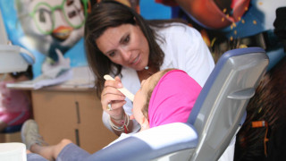 Δωρεάν οδοντιατρική φροντίδα για 900 χιλιάδες παιδιά δημοτικού