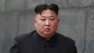 Ο Κιμ Γιονγκ Ουν «καρατόμησε» φωτογράφο επειδή... τον έκρυψε από το κοινό του για τρία δευτερόλεπτα