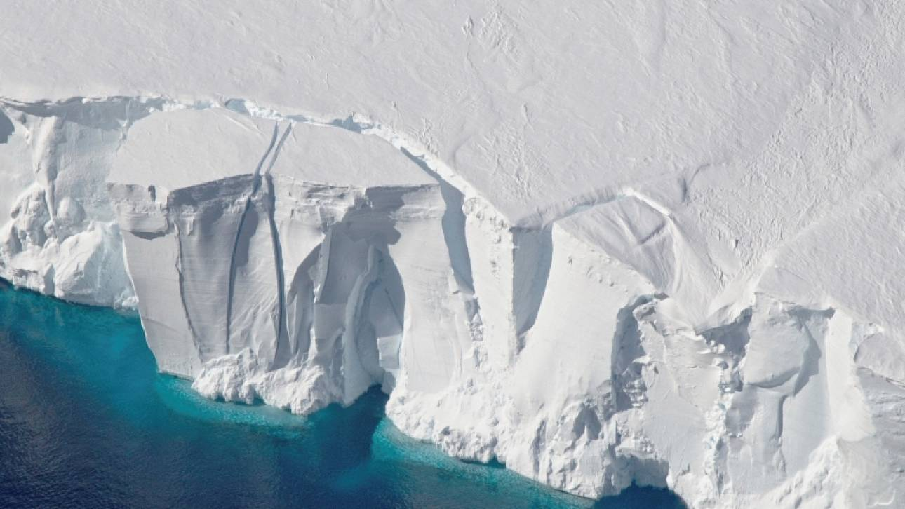 Ανταρκτική: Ζημιές από θραύσματα παγόβουνου στον εξοπλισμό της ρωσικής και κινεζικής αποστολής