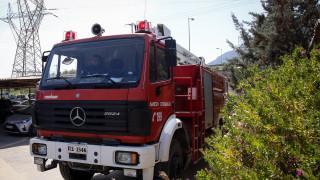 Φωτιά σε όχημα σε πάρκινγκ εμπορικού κέντρου στον Κηφισό