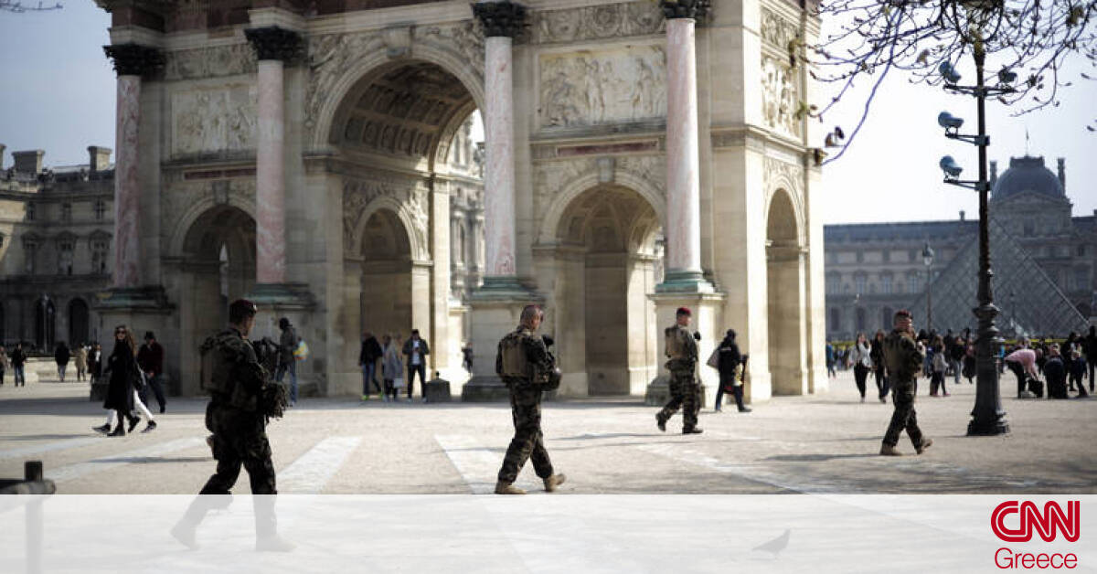 Αποτέλεσμα εικόνας για Γαλλία: Ο Μακρόν βγάζει τον στρατό στους δρόμους