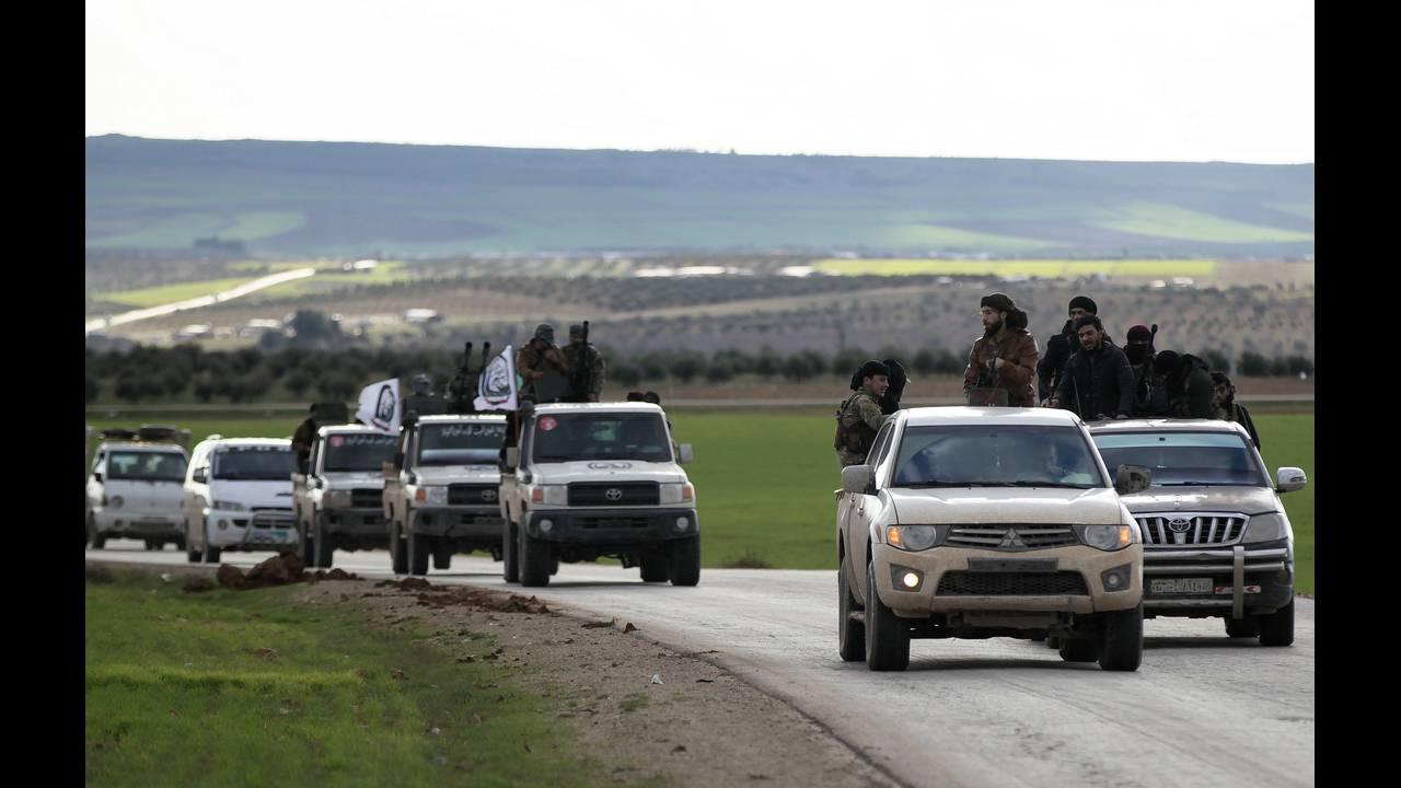 https://cdn.cnngreece.gr/media/news/2019/03/23/170273/photos/snapshot/2018-12-28T145832Z_26032830_RC1CDFF2D9A0_RTRMADP_3_MIDEAST-CRISIS-SYRIA-YPG.JPG