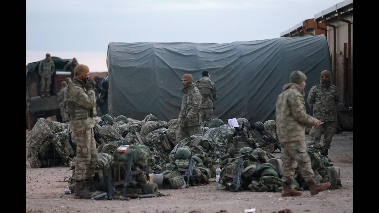 https://cdn.cnngreece.gr/media/news/2019/03/23/170273/photos/snapshot/2018-12-28T163305Z_1657938883_RC1807029780_RTRMADP_3_MIDEAST-CRISIS-SYRIA-YPG.JPG