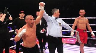 Συγκλονιστικός Ζαμπίδης: Επέστρεψε μετά από 3,5 χρόνια και νίκησε με ένα χέρι
