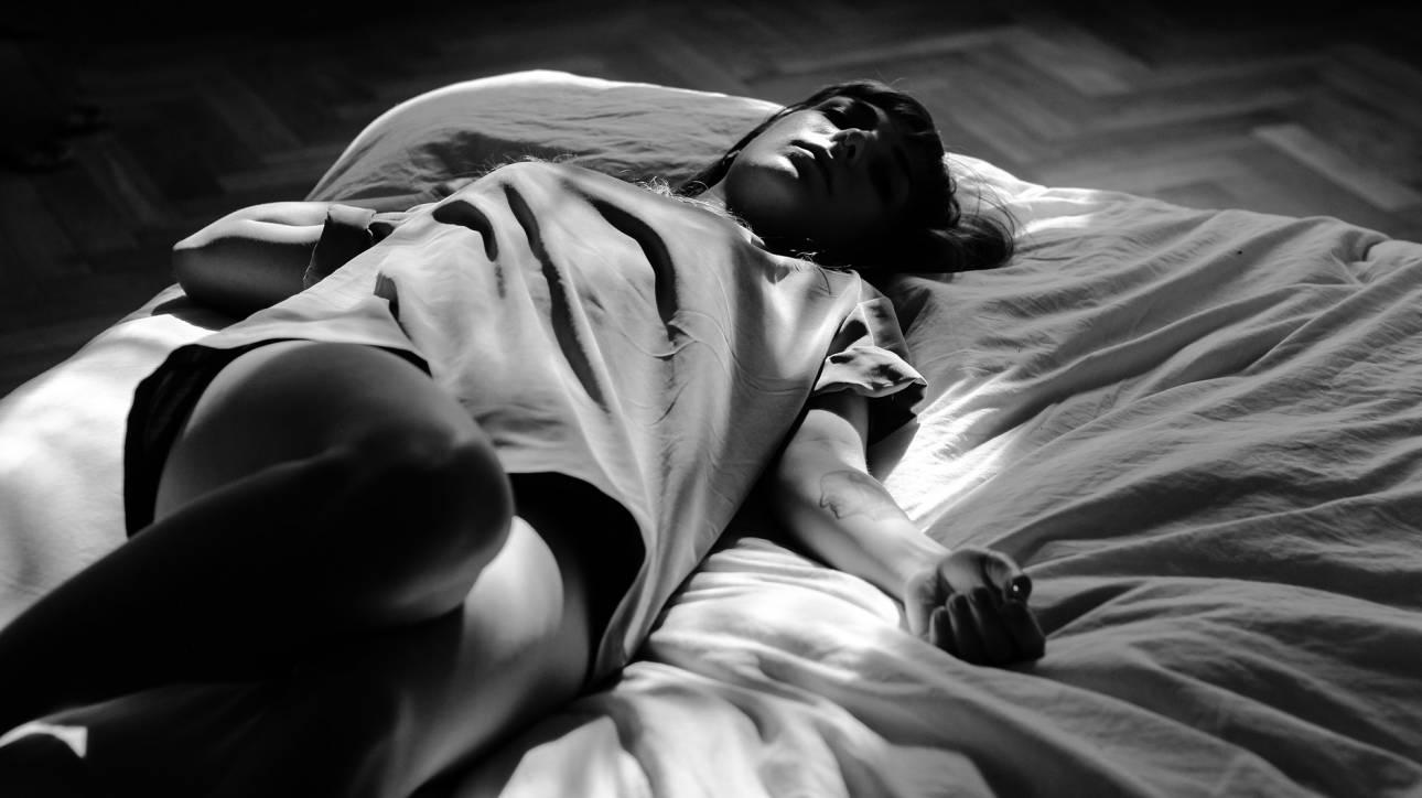 Σύνδρομο της «Ωραίας Κοιμωμένης»: Φοιτήτρια κοιμάται 22 ώρες την ημέρα