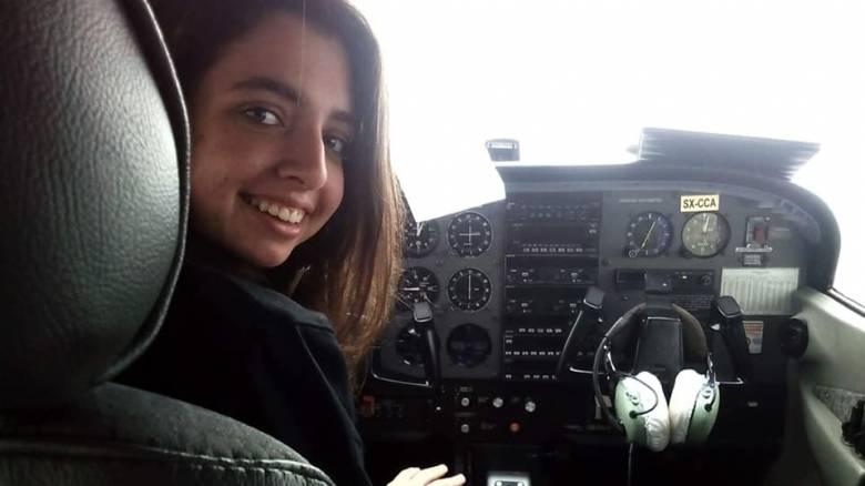 25η Μαρτίου: 17χρονη πιλότος «σκίζει» τους αιθέρες στην Κρήτη