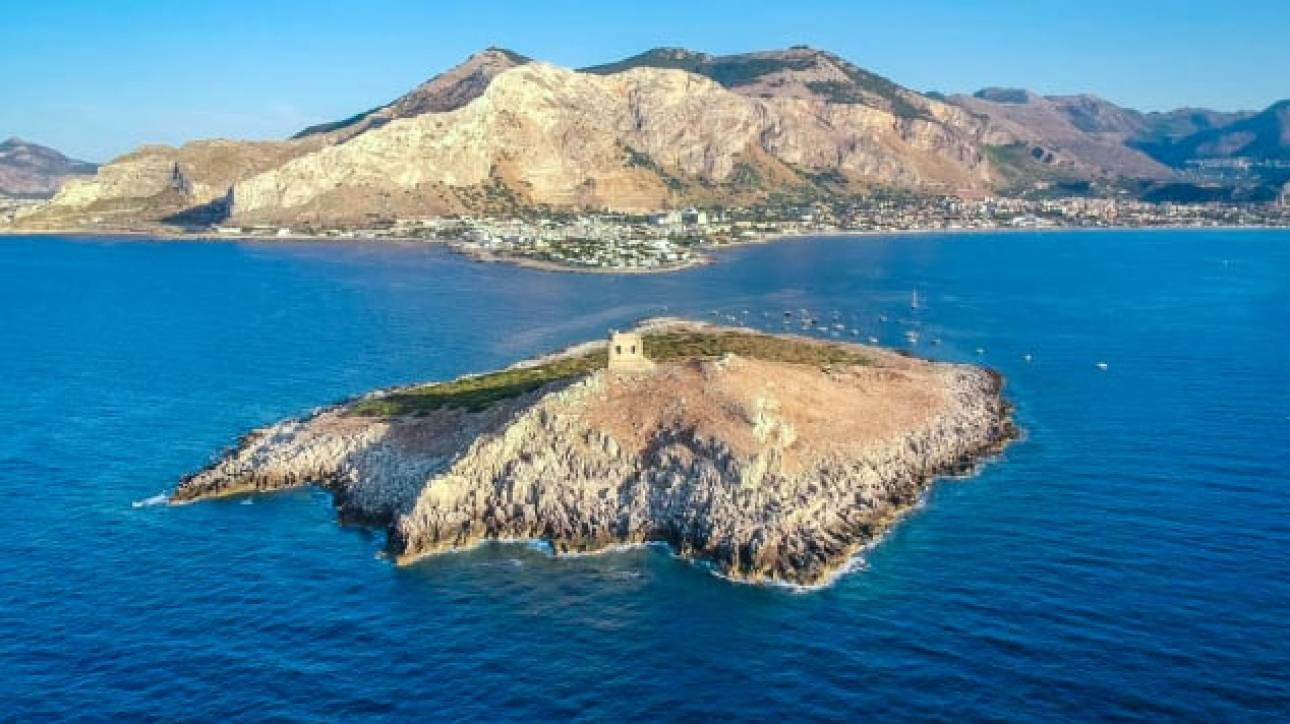 Isola delle Femmine: Ένα νησάκι σε τιμή ευκαιρίας (;) στη Μεσόγειο