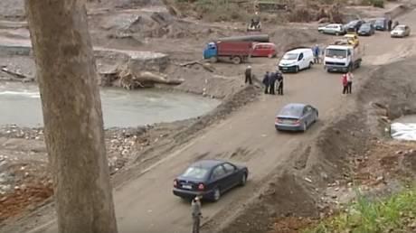 Κρήτη: Απεγνωσμένοι κάτοικοι έφτιαξαν μόνοι τους το δρόμο στον Κερίτη