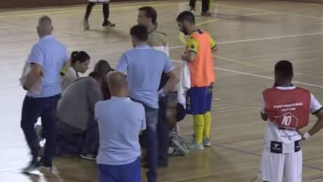 Τραγωδία στην Πορτογαλία: Παίκτης του futsal κατέρρευσε την ώρα του αγώνα