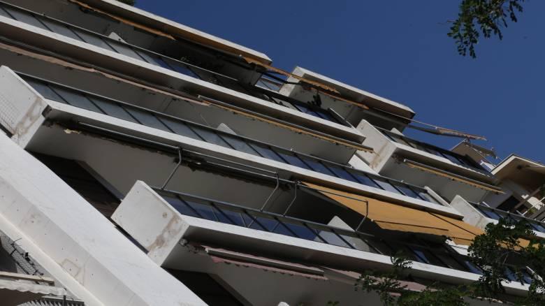 Βούλα: 39χρονος επιχειρηματίας έπεσε από το μπαλκόνι του σπιτιού του – Συνελήφθη η σύντροφός του