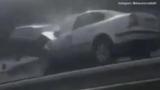 Είχαν… Άγιο! Μπήκε ανάποδα σε δρόμο και προκάλεσε τρομακτικό ατύχημα (vid)