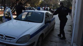 Ρόδος: Νεαρός μαχαίρωσε συγγενή του και ταμπουρώθηκε