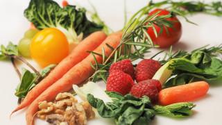 «Dirty Dozen»: Αυτά είναι τα «βρώμικα» φρούτα και λαχανικά που πρέπει να αποφεύγετε