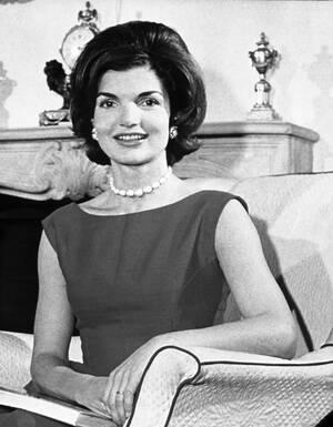 1960 Η Ζακλίν Κένεντι στο σπίτι της στην Ουάσινγκτον. Ο σύζυγός της, Τζον Κένεντι, είναι υποψήφιος για την Προεδρία των ΗΠΑ.